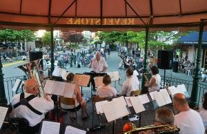 Revelstoke Summer Street Festival @ Revelstoke Grizzly Plaza | Revelstoke | British Columbia | Canada