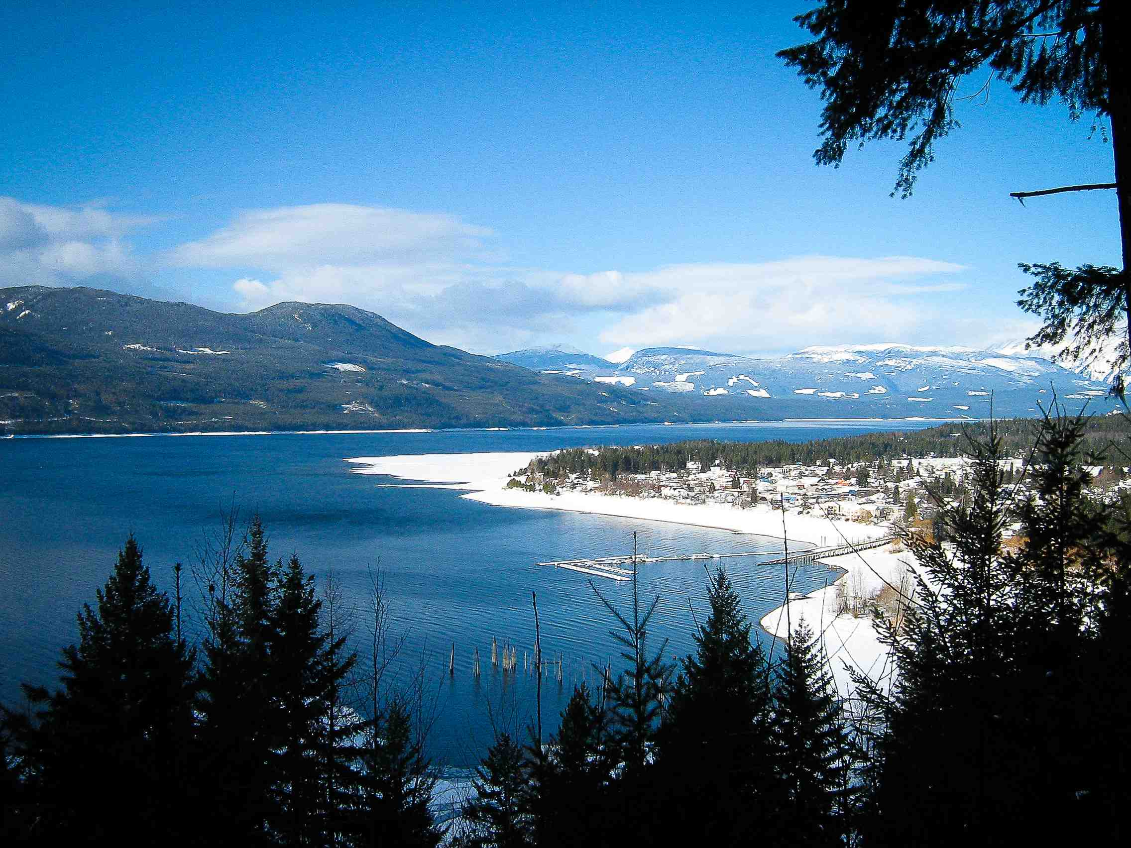 Winter getaway 36 hours in nakusp revelstoke mountaineer for Winter getaways in the us